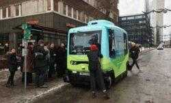 Беспилотные мини-автобусы начали перевозить пассажиров в Стокгольме
