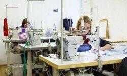«Лучше шить, чем покупать»: история украинской костюмной мастерской, которая продаёт одежду за €5000