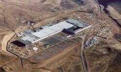 Маск: Беспилотные грузовики и тоннели улучшат производительность Tesla