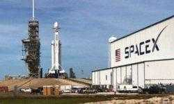 SpaceX успешно запустила сверхтяжелую ракету Falcon Heavy