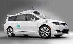 У Waymo отмечено наименьшее число вмешательств человека в управление робомобилей при тестировании