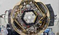 Фото дня: марсианский зонд InSight готовится к запуску