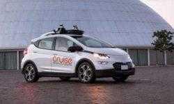 General Motors направит $100 млн на модернизацию для выпуска робомобиля без руля и педалей в 2019 году