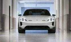 Porsche Mission E Cross Turismo метит в конкуренты Tesla Model X