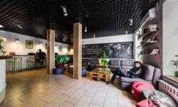 «Сложнее всего раздвинуть рамки в своей голове»: как украинские предприниматели открыли сеть хостелов в Европе