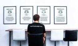 Стартап дня год спустя: классифайдер для продажи обуви и инструмент для автоматизации выплат актёрам