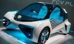 Автомобили Toyota начнут общаться с объектами дорожной инфраструктуры