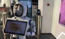 Китайский банк открыл в Шанхае отделение под управлением роботов