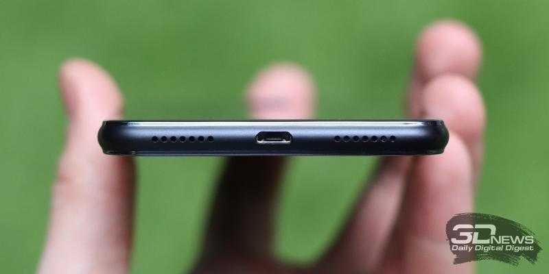 ASUS Zenfone 5 Lite, нижняя грань: порт microUSB, основной динамик, разговорный микрофон