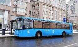 В московских автобусах заработает оплата при помощи смартфонов
