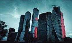 Москва займётся внедрением AR/VR-технологий и новых систем «умного» города