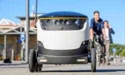 Роботы, похожие на помесь мультиварки и марсохода, начали доставку еды