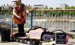 В Лондоне запустили первую бесконтактную платёжную схему для уличных исполнителей