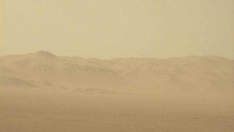 Фото Фото дня: селфи ровера Curiosity во время пылевой бури на Марсе