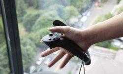 Контроллер Valve Knuckles EV2 позволяет сжимать предметы в VR
