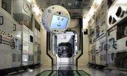 Летающий робот с искусственным интеллектом успешно отправился на МКС