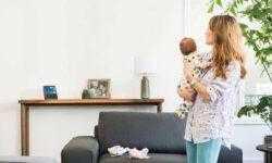Первым словом ребенка стало «Алекса»: что голосовые ассистенты делают с детьми