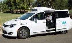 Автономные автомобили Waymo проезжают 40 000 километров каждый день