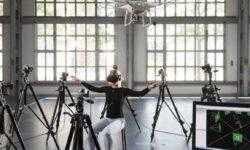 Новая система управления дронами оказалась гораздо удобнее привычного джойстика