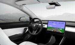 На приборной панели Tesla появятся игры для водителей, Маск нанимает разработчиков