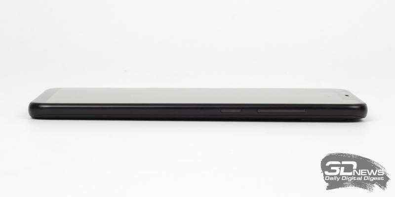 Xiaomi Mi 8, правая грань: клавиши включения и регулировки громкости/спуска затвора камеры