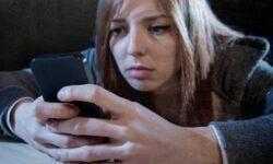 Психологический трюк заставляет школьников скачивать мобильные приложения