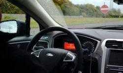 Система Ford Wrong Way Alert предупредит о выезде на встречную полосу