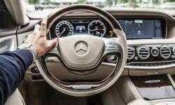 Автомобили Mercedes будут сами находить парковки, с которых их не угонят