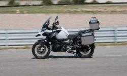 Видео дня:BMW продемонстрировала самоуправляемый мотоцикл