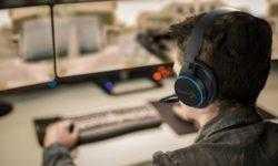 Гарнитура Creative Sound BlasterX H6 подходит для ПК и игровых консолей