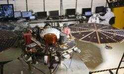Фото дня: Марс глазами исследовательской станции InSight