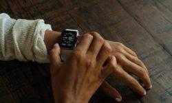 Продажи смарт-часов резко выросли в третьем квартале