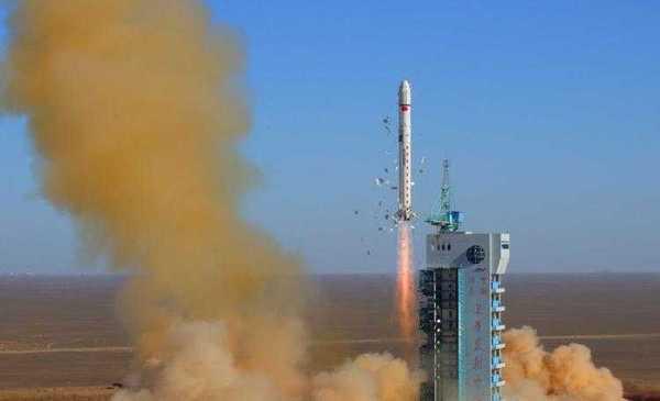 Запуск ракеты Long March 2D с китайским разведывательным спутником в 2008 году.