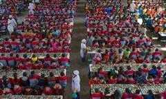 Умная форма китайских школьников помогает снизить количество прогулов