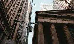 Крупнейшие фирмы Уолл-стрит договорились запустить новую биржу для конкуренции с Nasdaq и NYSE