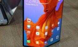 Фото дня: «живые» снимки гибкого смартфона Huawei Mate X