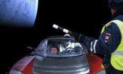 Ровно год назад Илон Маск отправил в космос автомобиль. Что с ним сейчас?