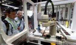 В 2018 году компании США побили рекорд по установке роботов для работы