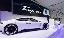 Электрокар Porsche Taycan привлёк более 20 000 потенциальных покупателей