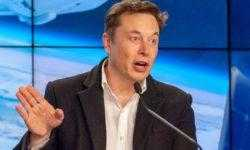 Илон Маск хотел бы слетать на «Драконе». А еще, построить лунную базу вместе с NASA