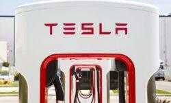Новые станции Tesla Supercharger V3 сокращают время зарядки электромобилей вдвое