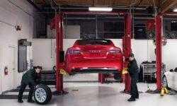 Владельцы автомобилей Tesla могут следить за ходом их ремонта