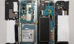 Гибкий смартфон Samsung Galaxy Fold показал внутренности