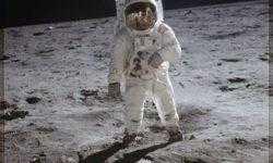 NASA предлагает людям поделиться воспоминаниями, связанными с первой посадкой на Луну