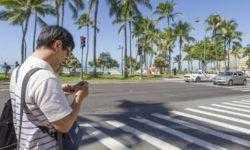 В Нью-Йорке хотят штрафовать за набор текстовых сообщений при переходе улицы
