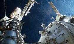 Для ремонта МКС-прибора для поиска тёмной материи потребуется пять выходов в открытый космос