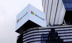 Microsoft демонстрирует внутри компании устройство Surface с двумя дисплеями