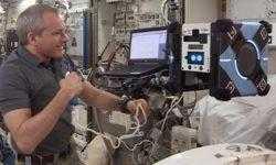 Робопчелка «Bumble» — первый тестовый полет внутри МКС
