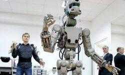 Собравшийся на МКС российский робот FEDOR не влез в люк «Союза»