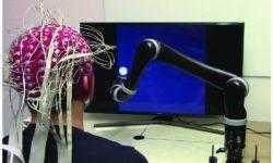 Создана первая в мире управляемая силой мысли роботизированная рука